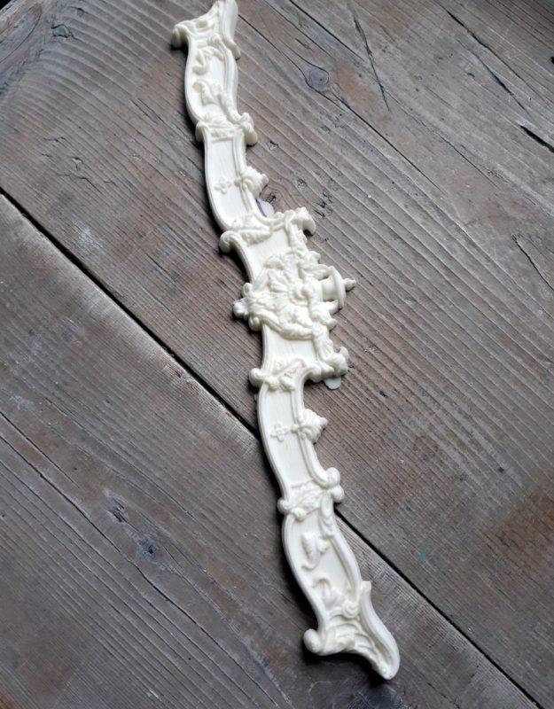 Bútordísz, (hőre hajlítható)  díszes hosszú 30cm x 6cm